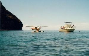 Seaplane+and+boat+at+Catalina+Island$2C+CAL+1-808-SEA-PLANe+or+1-808-732-7526